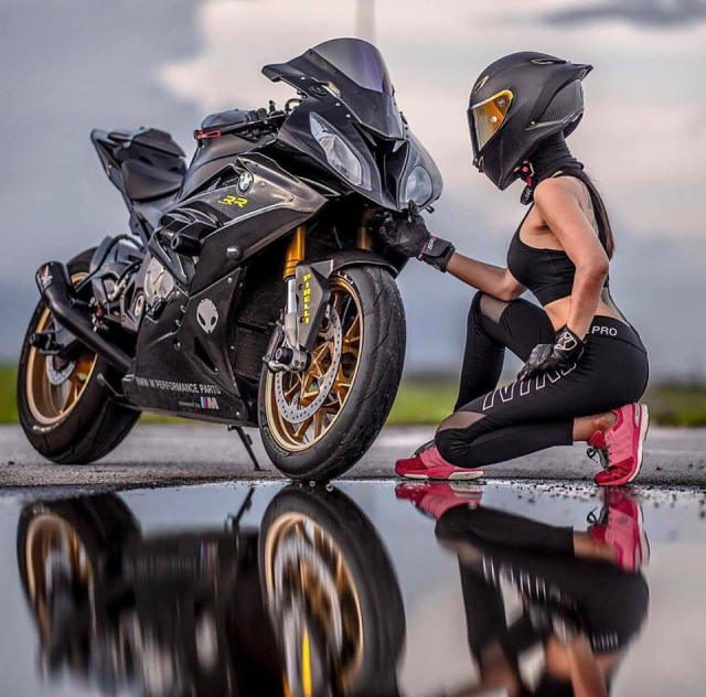 BMW S1000RR do cua co nang Gymer va chu ca full black - 8