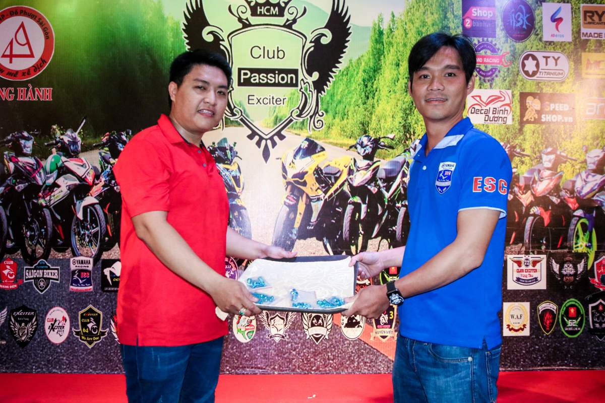 Club Exciter Passion 3 nam mot chang duong voi dong xe Yamaha Exciter - 34