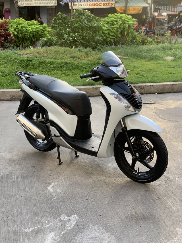 _ Can Ban HONDA SH 125i viet kieu Y Trang Den Sporty so may 5006 dang ky lan dau 2011 odo 13k