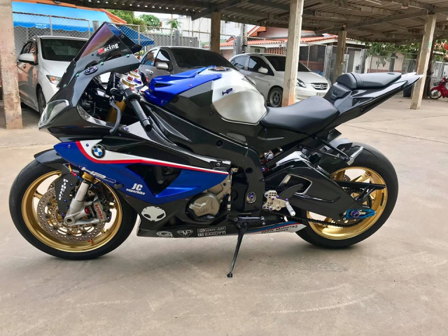 BMW S1000RR do full cau hinh Carbon dep me hon - 8