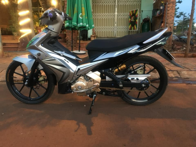 Man nhan Exciter 135 do so huu dan chan Brembo hoang kim cuc doc - 11