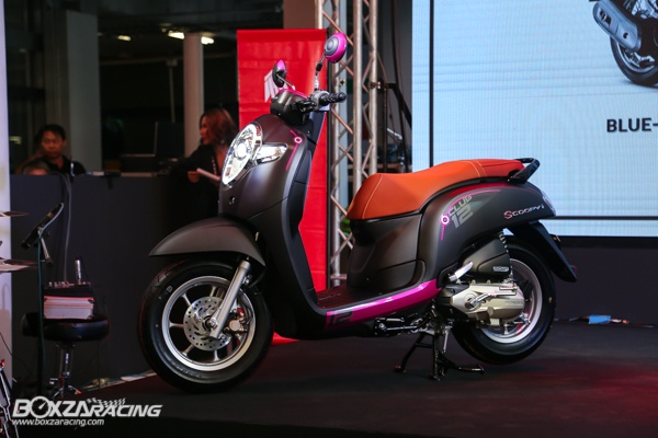 Honda Scoopy 2020 lo dien dam chat the thao voi gia ban tu 365 trieu dong - 4
