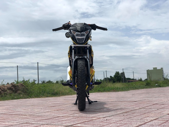 Sonic 150 do day suc hut voi bo canh vang ong anh lung linh - 6