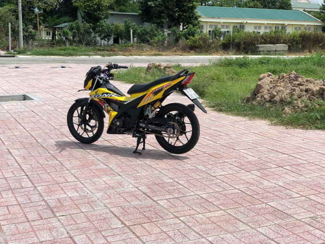 Sonic 150 do day suc hut voi bo canh vang ong anh lung linh - 3