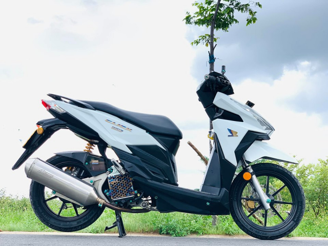 Vario 150 the he cu so huu dien mao moi day chat choi voi loat trang bi khung
