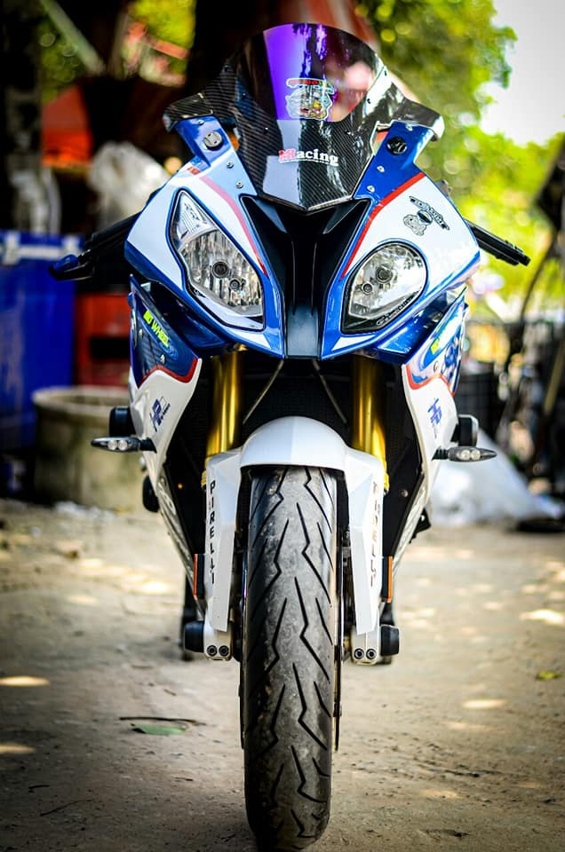 BMW S1000RR do kich tinh trong dien mao HP4 - 3