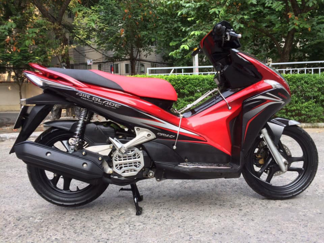 Honda Airblade 110 Fi dau to do den Sports bien HN - 7