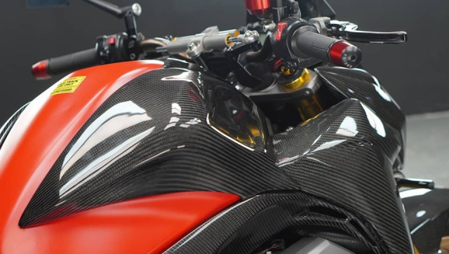 Kawasaki Z800 do day dang cap voi dien mao full Carbon - 6