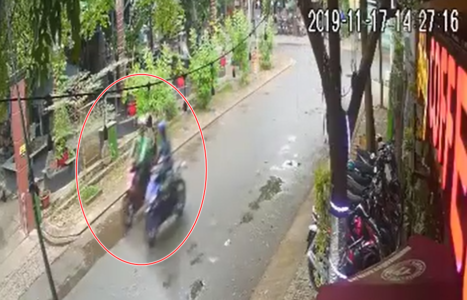 Clip 3 doi tuong chay Exciter gia dang GrabBike dan canh cuop Wave - 2