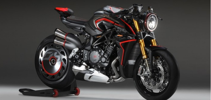 MV Agusta Rush 1000 Super Naked vua trinh lang voi ve dep vo doi