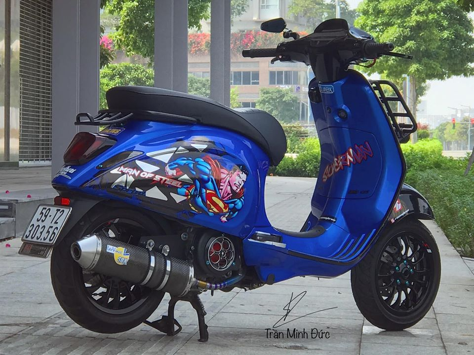 Vespa Sprint do chat choi cung bo canh Superman day moi la - 6