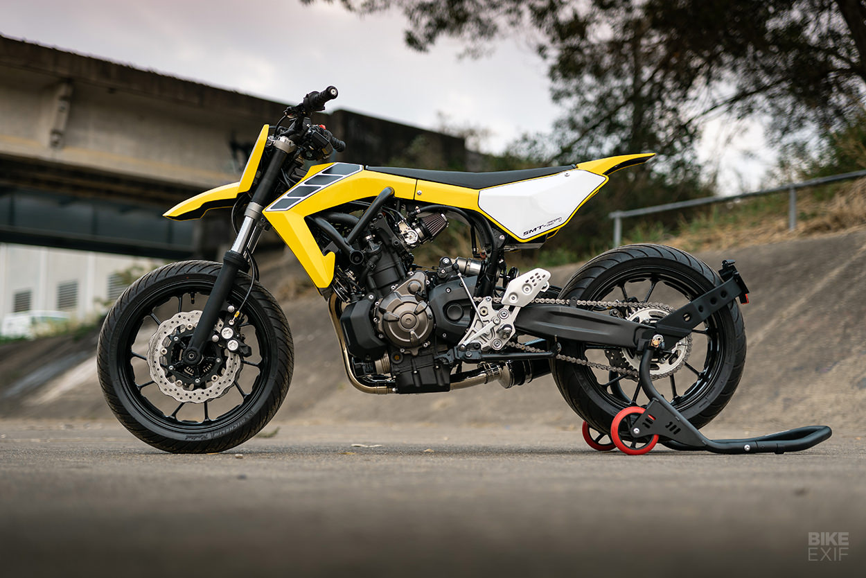 Yamaha MT07 thay hinh lot xac voi phong cach Supermoto tu Queensland - 13