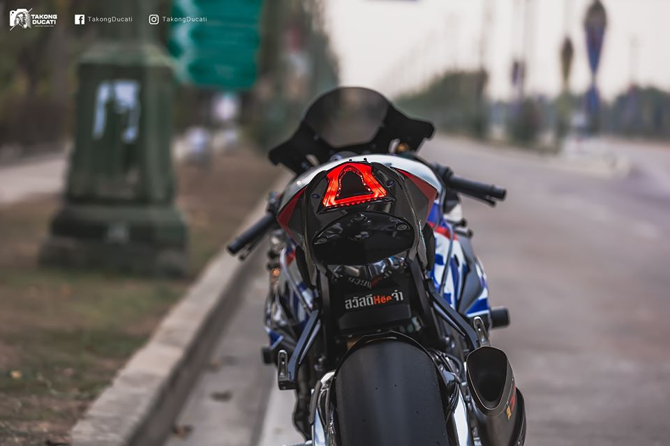 BMW S1000RR do chat lu trong dien mao TYCO RACING