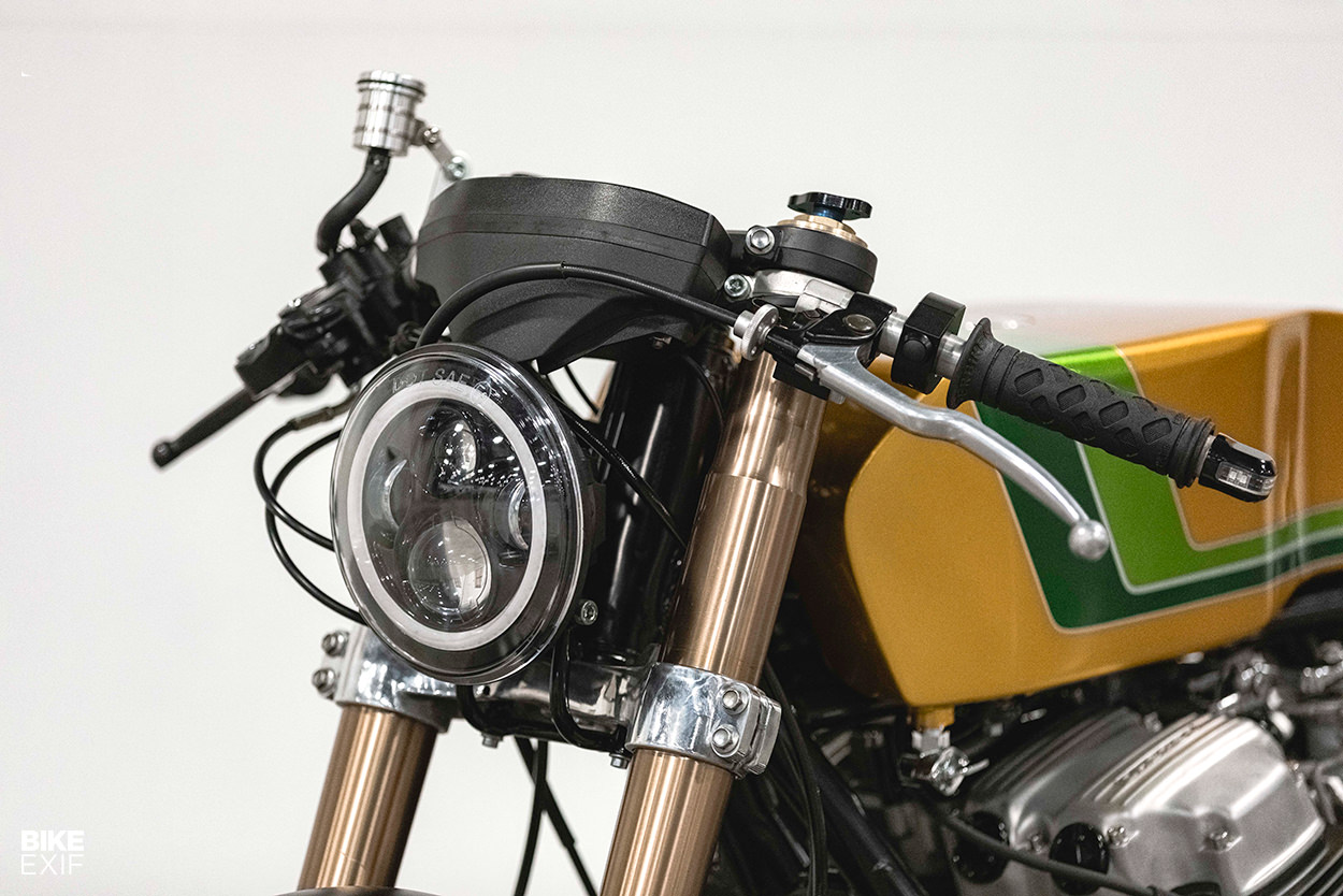 Honda CB750 do an tuong voi chu de Candy Crush - 3
