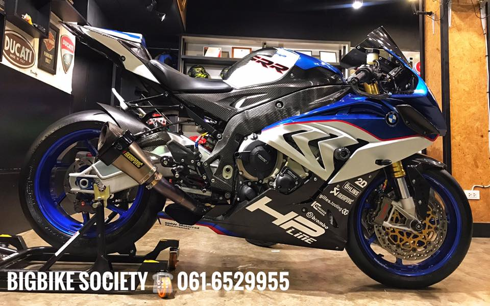 BMW S1000RR do com can theo phong cach HP4 - 3