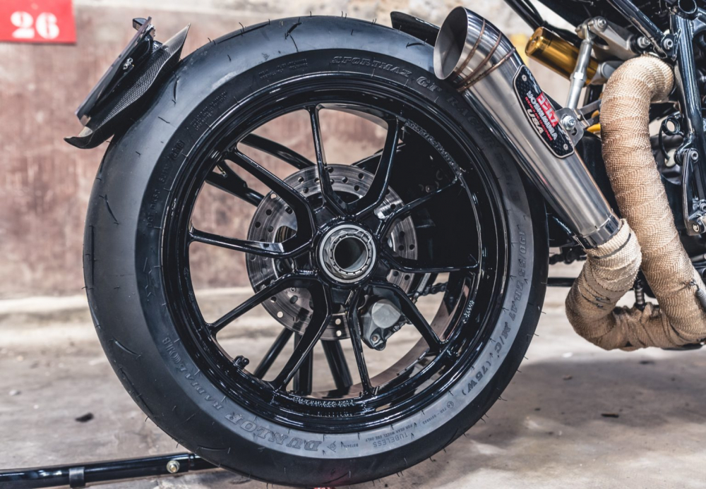 Ducati 1098S do an tuong voi phong cach Streetfighter - 8