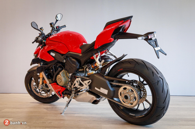 Can canh Ducati Streetfighter V4 S chinh hang tai Viet Nam - 35
