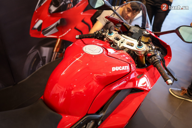Can canh Ducati Panigale V4 S 2020 gan 1 ty tai Viet Nam - 16