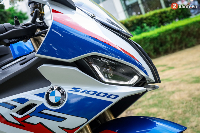 Can canh BMW S1000RR phien ban MPerformance voi gia hon 1 ty dong tai Viet Nam - 4