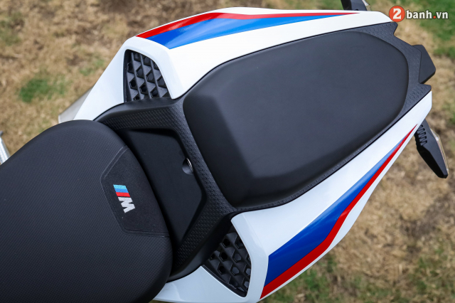 Can canh BMW S1000RR phien ban MPerformance voi gia hon 1 ty dong tai Viet Nam - 12