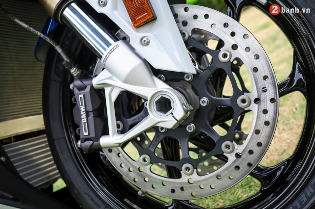 Can canh BMW S1000RR phien ban MPerformance voi gia hon 1 ty dong tai Viet Nam - 16