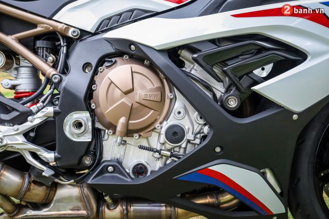 Can canh BMW S1000RR phien ban MPerformance voi gia hon 1 ty dong tai Viet Nam - 20