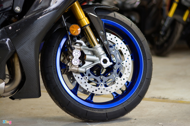 Chon Yamaha R1M hay S1000RR MPerformance trong tam gia 1 ty dong - 7