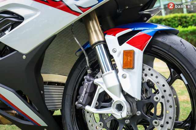 Chon Yamaha R1M hay S1000RR MPerformance trong tam gia 1 ty dong - 8